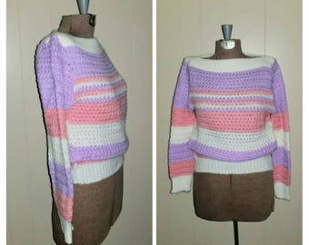 Lido Shuffle ...  Vintage 70s 80s sweater / crochet knit pullover / bateau boatneck / crop cropped / pastel stripes .... XS S