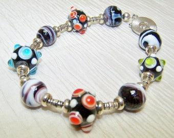 Bumpy beaded bracelet black white colorful glass beads