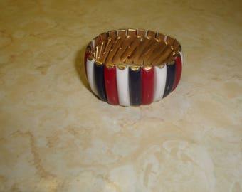 vintage bracelet goldtone red white blue lucite stretch