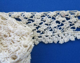 Vintage Knotted Crochet Lace Trim Cream 1 1/2 Inches Wide 2 Yards Long 683b