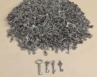 """Wholesale Lot - 5 lbs Skeleton Key Charms - Gunmetal Black - 1.25"""" to 1.6"""" - Mix A"""
