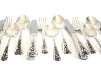 "Meriden Silver Plate Flatware Set ""Delight"" Service for 6, 1950s Silverware Floral Pattern"
