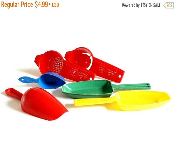 SALE Plastic Candy Scoops 1/4 Cup, CBI Coffee Scoop Small Flour Scoop Egg Yolk Separator Plastic Tea Strainer Red Green Yellow Blue Primary