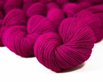 "Orbit Fingering ""Salome"" 100% BFL Hand Dyed Sock Yarn 440yds"
