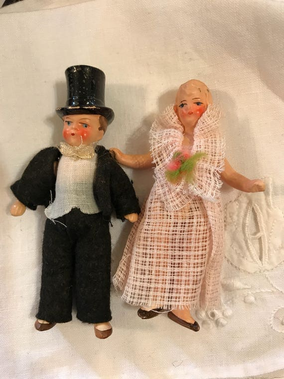 Small 1920-30s Bride Groom Wedding Cake Topper jointed Dressed Dolls 3 Inches Marked Germany