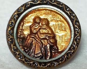 Lucy and Edgar ~ Young Lovers Couple ~ Antique Stamped Brass Picture Button ~ just under 11/16 inch 17mm ~ Grammys Buttons