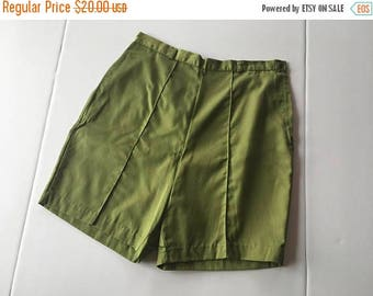20% off weekend sale / vintage 1950s 1960s Paddle and Saddle green cotton shorts / size large