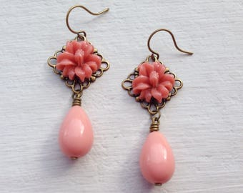Coral Earrings/Flower Earrings/Pink Coral Earrings/Bridesmaid Earrings/Rustic Wedding Earrings/Gifts For Her/Coral Pink Teardrop Earrings