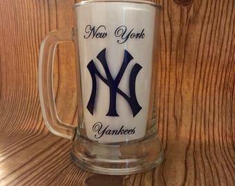 Personalized New York Yankees 15.5oz. Glass Beer/Beverage Stein/mug.