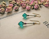 Pompadour La Favorite emerald swaro earrings