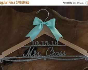 LUCKY SALE Wedding Hanger, Personalized Bride Hanger, Bridal Hanger, Glitter Hanger, Bling Hanger, Sparkle Hanger, Acrylic Hanger, Showe