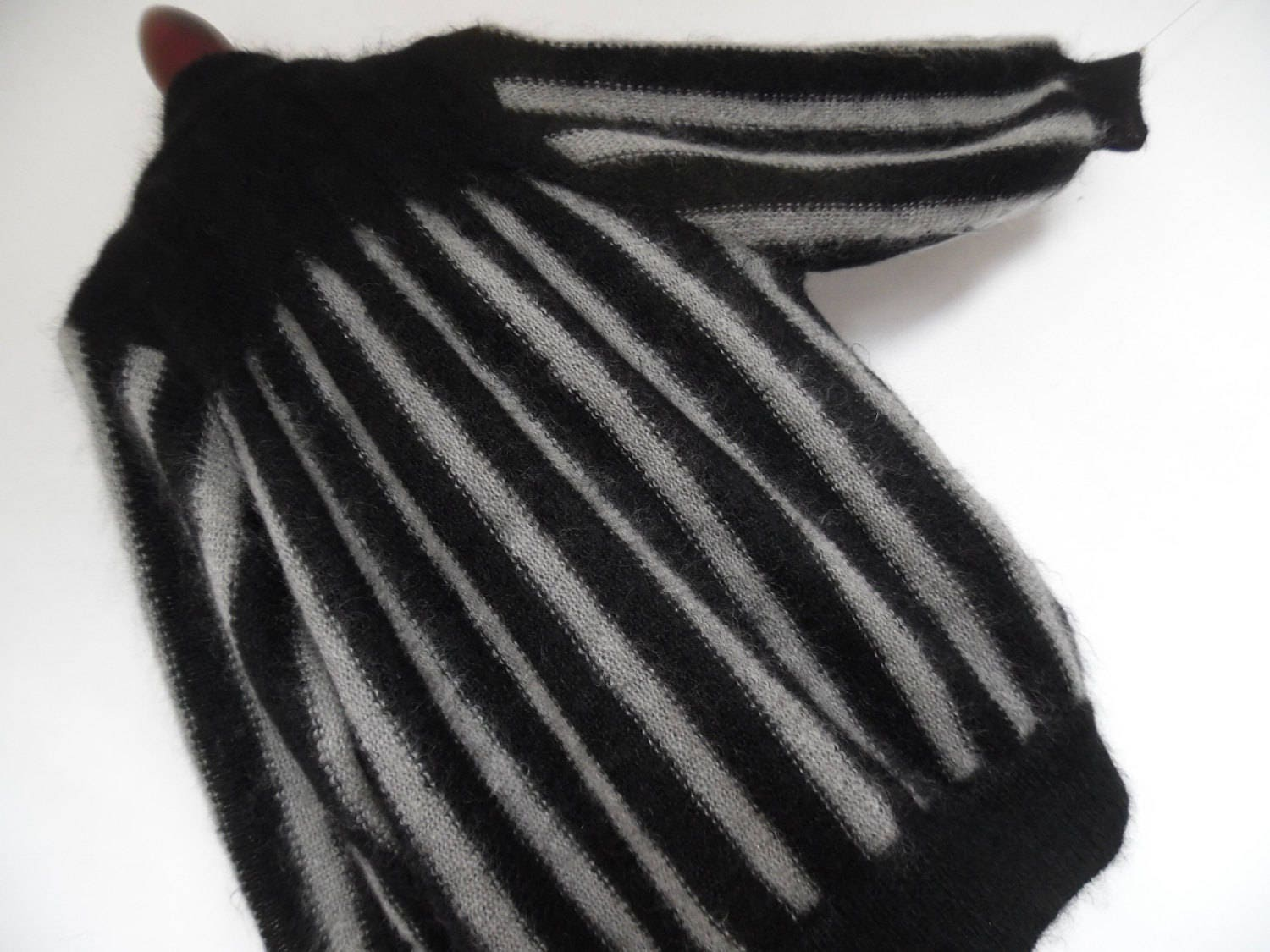 Striped cocoon art deco 20s style mohair mix striking black - Deco style cocooning ...