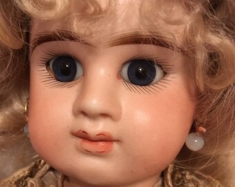 Fantastic Antique Etienne Denamur Doll