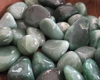 Polished tumbled Green Aventurine //magical crystal, wire wrap, green crystal, chakra crystal, meditation,earthy crystal, heart chakra