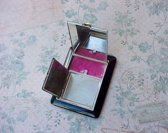 Pretty Vintage Art Deco Era Powder and Rouge Compact