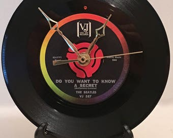 """Recycled BEATLES 7"""" Record / Do You Want To Know A Secret / Record Clock"""
