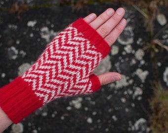 Black Lodge fingerless gloves, chevron pattern, handmade, women size S, twin peaks inspired, alpaca, soft wool