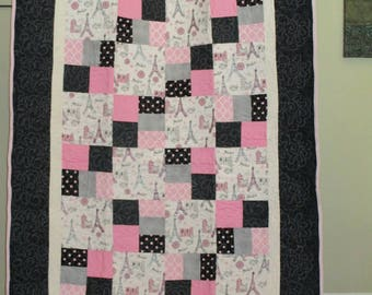 Paris themed quilt