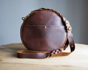Poiema Round Leather Canteen Bag