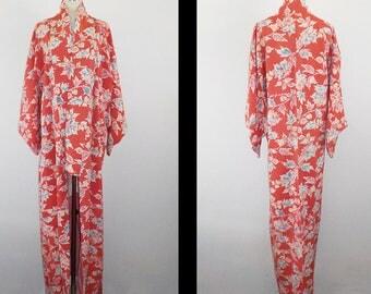 SALE 30%off!! - Vintage kimono - Batik, Floral, Chirimen silk