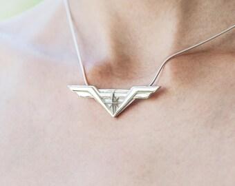New Star Pendant, Star shield Tng combat Pendant,  Comics jewelry, super hero jewelry, Star shield, Star wings