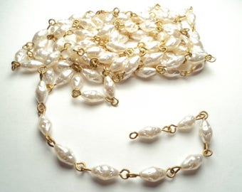 5 ft. - Vintage acrylic 8x5mm white Biwa pearl - link chain - m96