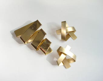 Gold Twist Zig Zag Brooch and Earrings - Vintage 1980s  Oversized Runway Jewellery Pin and Clip Ons