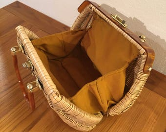 Straw and bakelite or plastic vintage bag from 1950s
