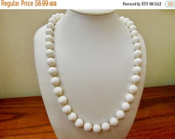 ON SALE Vintage White Hand Knotted Beaded Necklace Item K # 2217