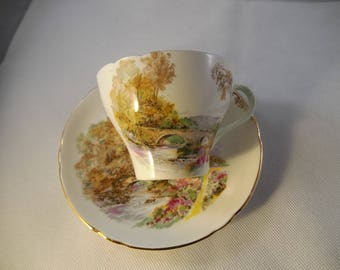 Shelly Heather Tea Cup and Saucer, Mint Condition