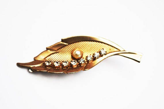 Gold Leaf Hair Clip - white Pearl - Clear Rhinestone - Barrette - Vintage Mid Century - hair pin