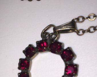 Vintage Hobe Garnet Horseshoe Pendant Necklace