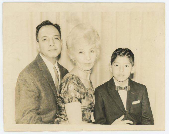 Vintage Snapshot Photo: Family Portrait (710613)