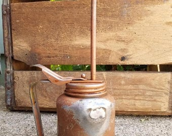 ON SALE Vintage Industrial Pump Oil Can, Oil Can, Metal, Tin, Cottage Chic, Farm, Gold Color Oiler, Oil Squirt Can