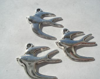 21mm Zinc Based Alloy Charms, Antique Silver Swallow Bird Charms, Pack of 3 Charms, C140