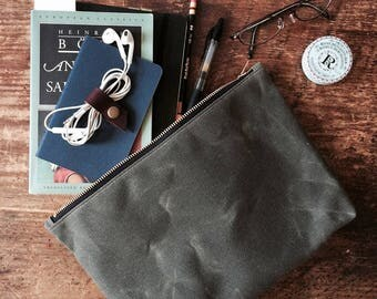 Large Waxed Canvas Pouch - Dark Olive