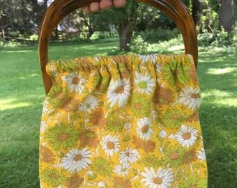 Floral handbag with vintage handles