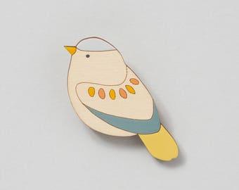 Wooden bird brooch - Garden Warbler