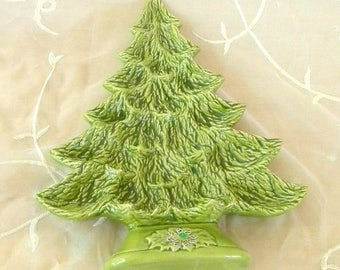 Xmas in July Sale 1989 Christmas Holiday Tree Plate, Use for Appetizers, Cookies, Candies, Wall Decor