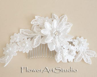 White Bridal Hair Flower, Bridal Hair Accessories, White Lace Headpiece, Feminine White flower comb, White pearl and flower bridal comb.