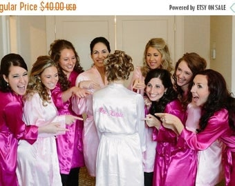 ON SALE Bride Robe Personalized with Custom thread, Bridal Party Robes Getting Ready Robes / Embroidered name and Wedding Date