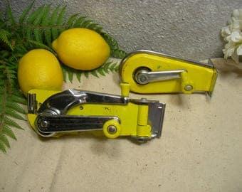 Dazey De Luxe Model 80 Swing A Way Can Opener & Sharpener Wall Mount