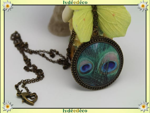 Necklace vintage retro Peacock feather blue green resin and brass Locket 25mm heart clasp ball chain