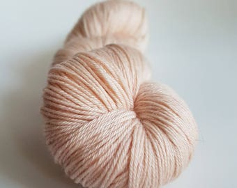 Skein of Merino superwash wool - Nylon Fingering / Sock - color Nude