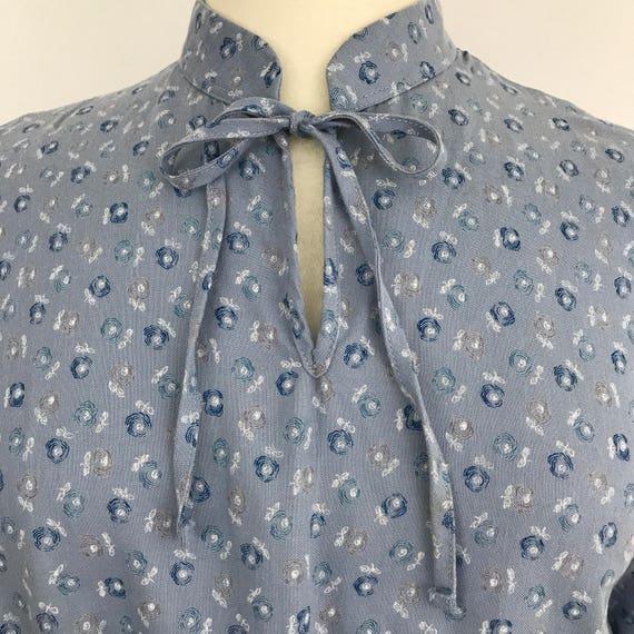 Vintage dress grey brushed cotton rosebud pussy bow tie collar daydress floral chintz print shirt dress UK 14 16 1970s 1940s Mod St Michael