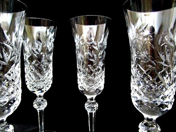 Set of 4 Wedgewood Sovereign Champagne Flutes, Glasses, 8 1/2 Inches, Florals and Berry Pattern, Excellent Condition