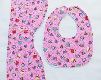 Bib & Burp Cloth Set - Cupcakes