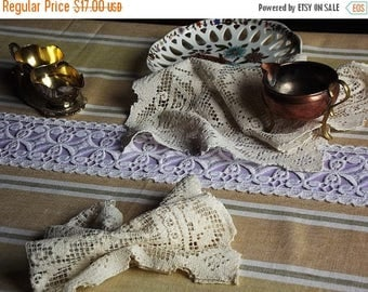Summer sale -20% Vintage linen tablecloth with lace,  Swedish vintage, 1960s