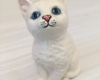 Royal Doulton Blue Eyed Kitten, Vintage Collectables, English Bone China, Collectable Figurines, Persian White Cat, Antiques Made in England