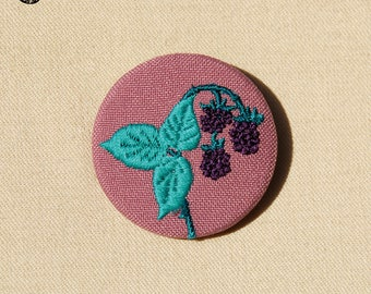 Brooch embroidered blackberries